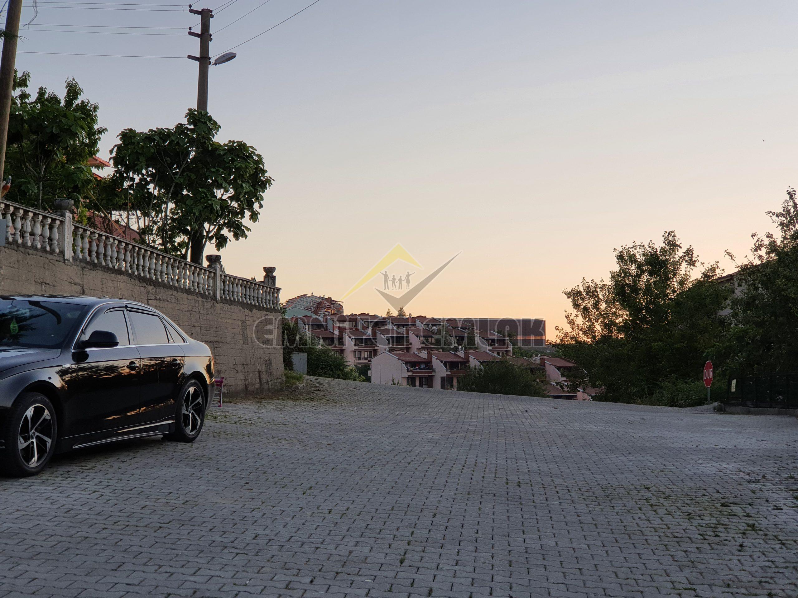 AYAZLI MAHALLESİNDE SATILIK A PLUS TRİPLEX EV